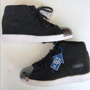 Adidas Superstar Metal Toe Sneaker size 6.5